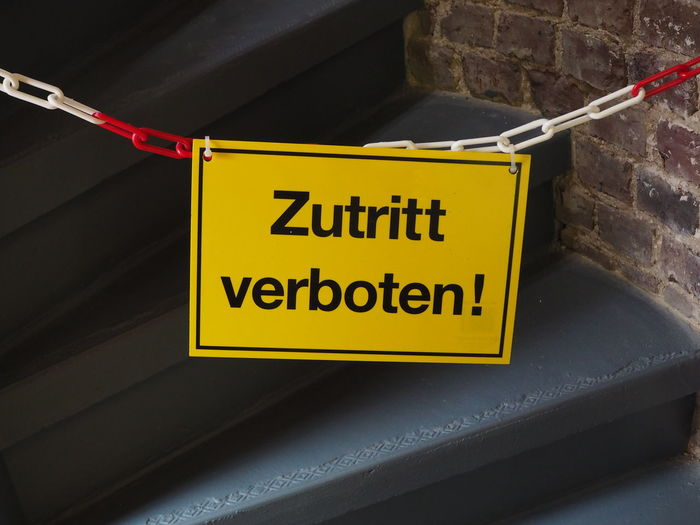 Close-up Communication Entry Information Sign No People Text Verbot Warning Sign Yellow Zutritt