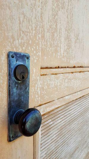 Door Wood - Material Close-up No People Day Locks Doorknob Doorknob Old EyeEmNewHere Blue Textured  Outdoors Rust