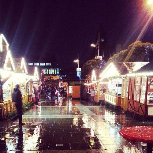 Rainy days in Leeds @GermanMarket :( Rainy Germanmarketleeds Christmasmarket Lights evening events