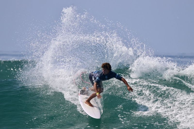 David do Carmo competing in the US Open of Surfing 2018 Athlete Brazilian Surfer David Do Carmo Huntington Beach Professional Surfer Surfer Editorial Use Only Events Male Sports Surfing Surfing Competition Surfing Contest Us Open Of Surfing Us Open Of Surfing 2018 Vans Us Open 2018 Vans Us Open Of Surfing