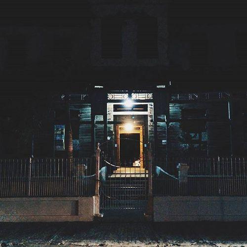 Haunted house. Notreally Butitlookslike Montecristi Pueblo House Huntingplaces Lights Latepost Mirepublicabella
