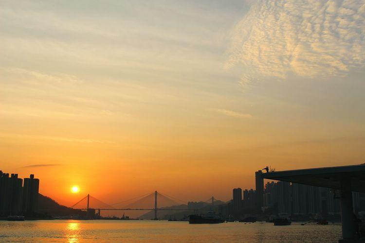 2015 Life In Hong Kong· Sunset Seaside Gorgeous Ting Kau Bridge Tsuen Wan Hong Kong Sun