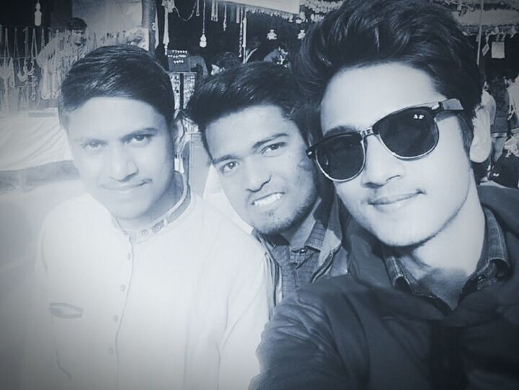 Sunglasses Selfie Fashion Young Adult Friendship Day Smiling Togetherness Outdoors Still Life EyeEm Best Edits Surajkundmela Blackandwhite Photography Student Life Adults Only Portrait Headshot Adult People Finding New Frontiers