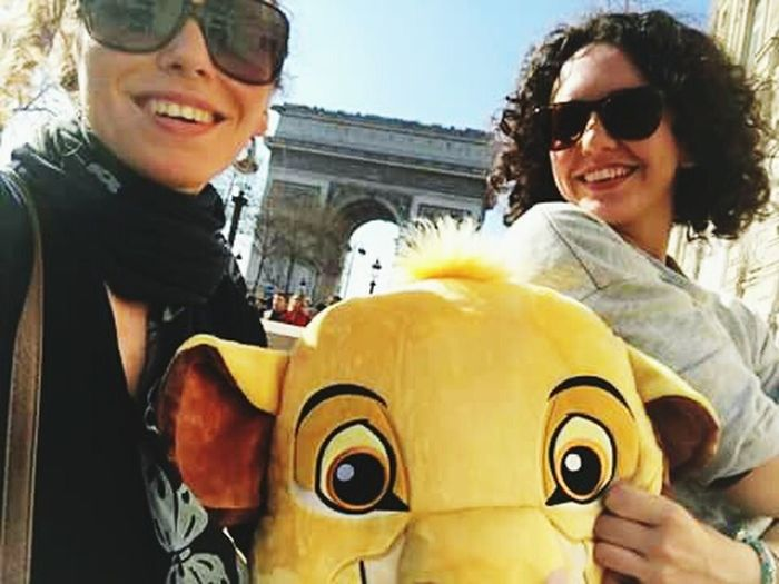 Two People Friendship Adults Only Sunglasses Togetherness Happiness Adventure Aroundtheworld Travel 2017 Paris ❤ Simba 🐶❤️ Arcdetriomphe