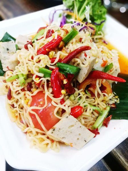 อีสานบ้านเฮา ส้มตำแซ่บๆ ส้มตำไทย Somtum Somtum Thai Somtum Nudle Thai Food Thailand Thailand Photos Somtum Pu-plarha Vegetable Plate Tomato Close-up Food And Drink Noodles