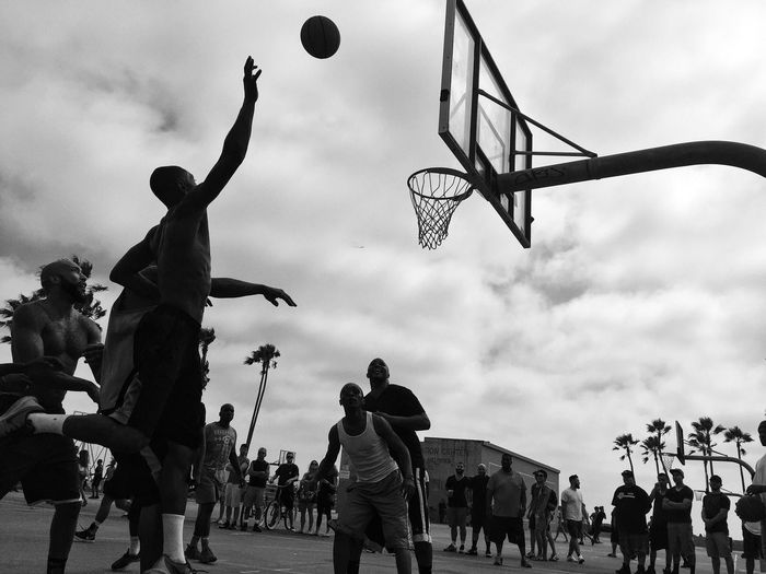 Togetherness Summer Sport People Basketball Streetphotography Street Lifestyles Sunset Hollidays The Photojournalist - 2017 EyeEm Awards Outdoors Large Group Of People Youth Culture Photojournalism The Great Outdoors - 2017 EyeEm Awards Enjoyment Beach The Street Photographer - 2017 EyeEm Awards