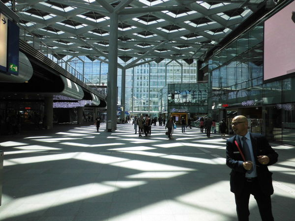 Architectural Column Architecture Built Structure Centraal Station City City Life Day Group Of People Leisure Activity Lifestyles Medium Group Of People Modern The Way Forward Transportation Building - Type Of Building Travel Destinations