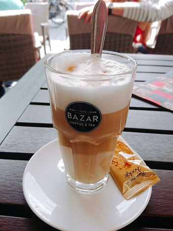 En La Terazza enjoying a Latte Macchiato from Bazar Coffee Tea Foodpics