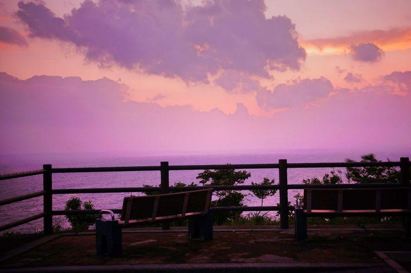 果てない空~ Endless Sky ~ https://youtu.be/C4I7QKDCRhE Sunset Sunset_collection Sunset Lovers Bench Benches Light And Shadow Darkness And Light Atmosphere 乙女部 黄昏隊 Sky_collection Relaxing Time Enjoying Life Happy Moments From My Point Of View EyeEm Best Shots Landscape Purple Sky Kagoshima Good night 🌙 🙋