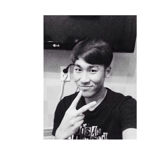 Selfportrait Selfie Blackbrojin