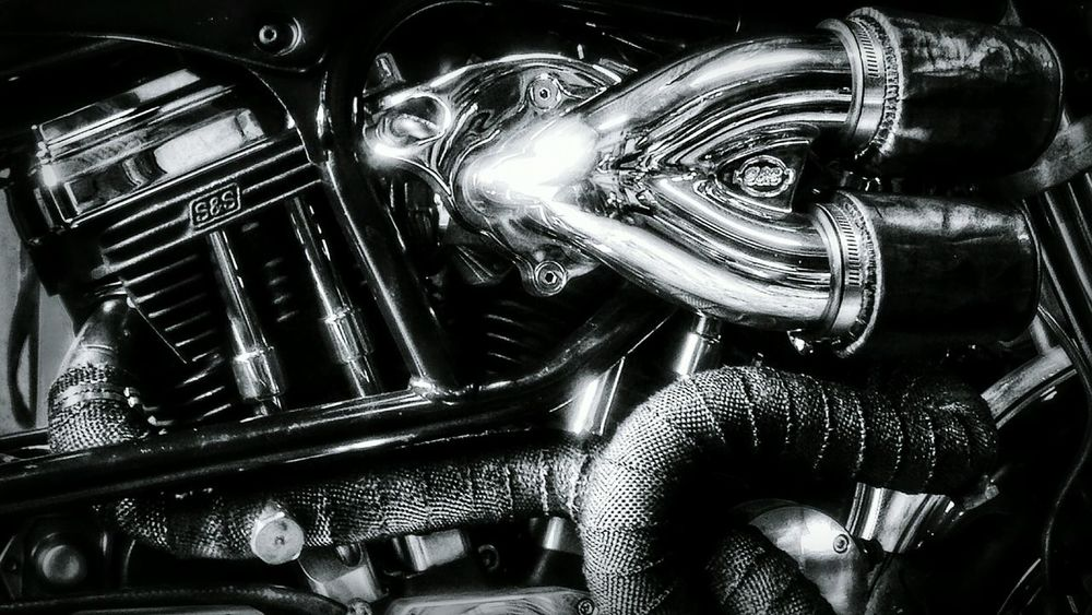 Engine Chrome Shiny Beautiful V-twin Bnw Black And White Blackandwhite Check This Out Hello World Popular Popular Photos Details Up Close Street Photography