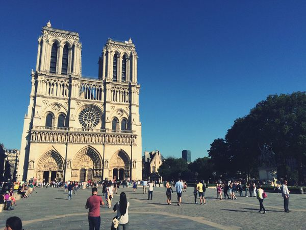 Notre-Dame Paris Architecture History Monuments France Vscocam Sunny Sky Church