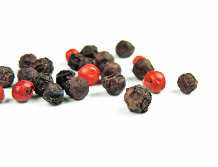 peppercorns, isolated on white and red pepper, studio shot. Black Pepper Isolated Peppercorns Red Pepper Black Peppercorn Black Peppercorns Close-up Cooking Ingredient Cooking Ingredients Food Food And Drink Freshness Group Group Of Objects Indoors  Isolated On White Isolated White Background No People Pepper Red Peppercorn Snack Spices Still Life Studio Shot White Background