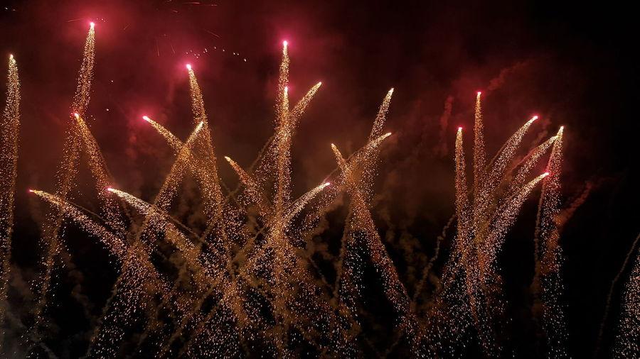 spettacolo pirotecnico in Umbria Italy🇮🇹 Umbria, Italy Castiglione Del Lago Fuochi D'artificio  Fuochi Artificiali Firework - Man Made Object Firework Display Close-up Entertainment This Is Strength EyeEmNewHere