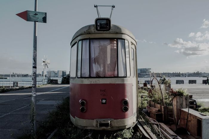 🚉 Urbanphotography Urban Streetdreamsmag Streetphotography Traveling 020 Amsterdam Justgoshoot Shoot2kill Peoplescreatives