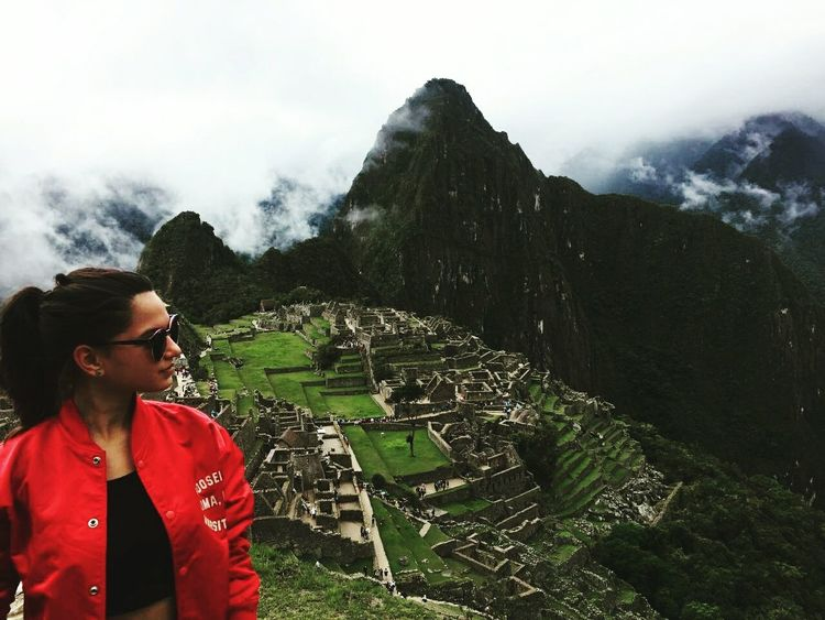 Outdoors Red Day Travel Destinations Nature Sky People Machu Picchu - Peru Travel Vacations Cuzco Adventure Summer Cuzco-Perú Travel Photography Traveller Tree Freshness Arid Climate Beauty In Nature Hill Field Rural Scene Nature Agriculture