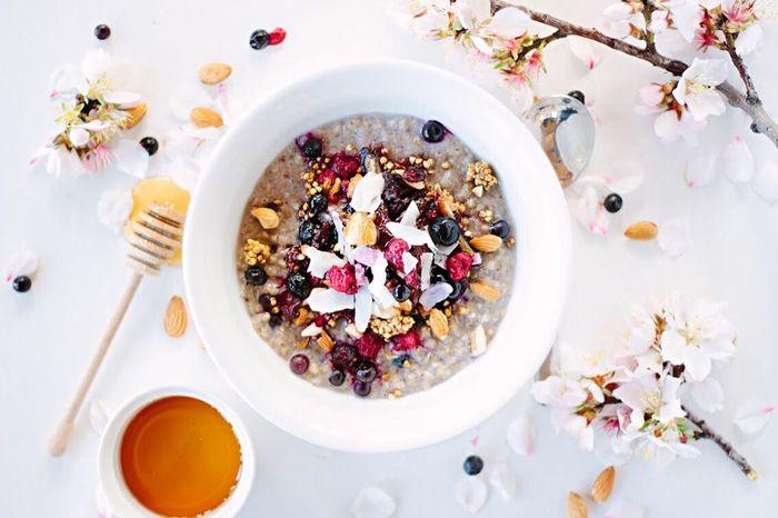 Buckwheat & Quinoa Porridge🌸✔️😋🍓 Healthy Healthy Food Foodporn Foodgasm Foodphotography Canon600D Glutenfree Vegan Breakfast Food Porn Awards
