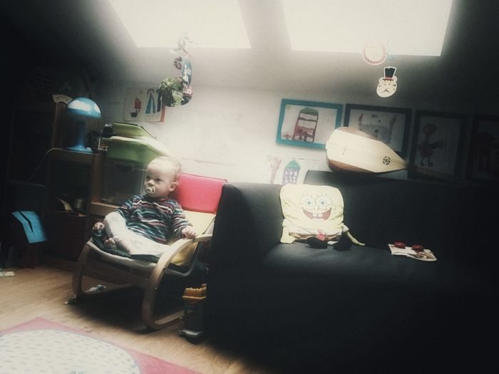 Spongebobed into reality... Indoors  Living Room Home Interior Lifestyles Toddlerlife Saz Bağlama Sundjer Bob Spongebob