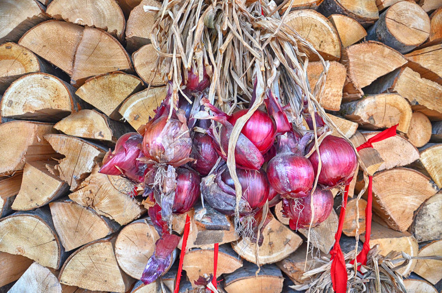 red onion Hanging Out Spanish Onion Close-up Clusted Day Firewood Food Freshness Healthy Eating No People Onion Outdoors Red Onion Vegetable