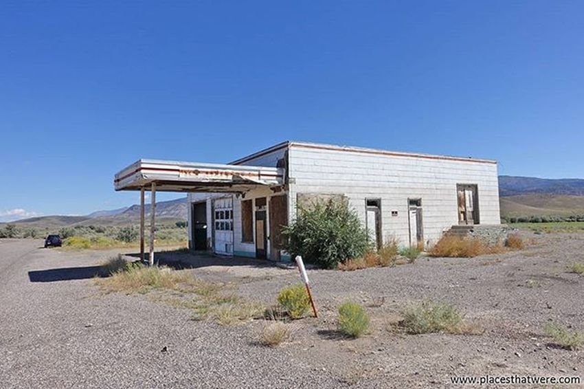 Beautiful day to be on the road. Full article here: http://www.placesthatwere.com/2016/05/abandoned-places-in-antimony-and.html Abandoned Abandonedplaces Ghosttowns Utah AbandonedplacesinUtah Abandonedutah Antimony Antimonyutah Junction Juctionutah Utahghosttowns