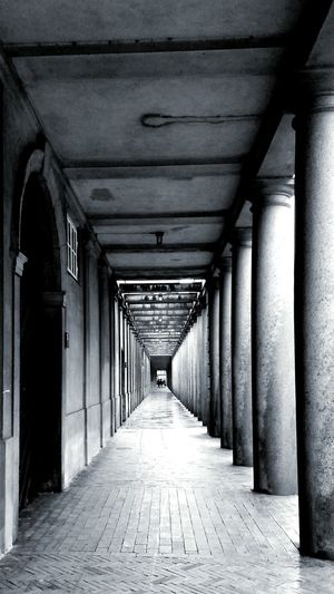 Built Structure Architecture The Way Forward No People Columns And Pillars In The End Long Goodbye Welcome To Black Distorted View Patterns Kopenhavn Art Is Everywhere