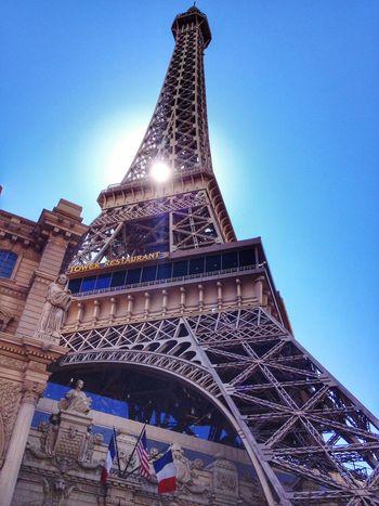 Sun through Paris hotel Las Vegas Vegas  IPhoneography Holiday París Hotel-Las Vegas, Nevada Paris Hotel Vacation Sun Sunny☀ Sunshine Eiffel Tower
