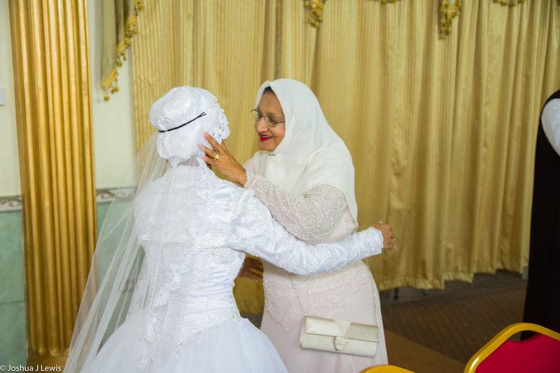 Bride Wedding Wedding Dress Wedding Ceremony Bridegroom Life Events Love Stillife Muslimwedding Caribbean Trinidad And Tobago Beautiful Place Of Worship Happiness
