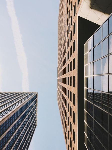 Sometimes, when I'm to overwhelmed of what I've seen, experienced and shot - I stop uploading completely and put everything aside. NYC, 2016. Architecture Architectural Detail Skyscrapers New York City Looking Up Tall Buildings Urban Landscape Cityscapes Simplicity Minimalism Clear Sky The Architect - 2016 EyeEm Awards Urban Exploration Urban Geometry Graphic Lines Structures & Lines