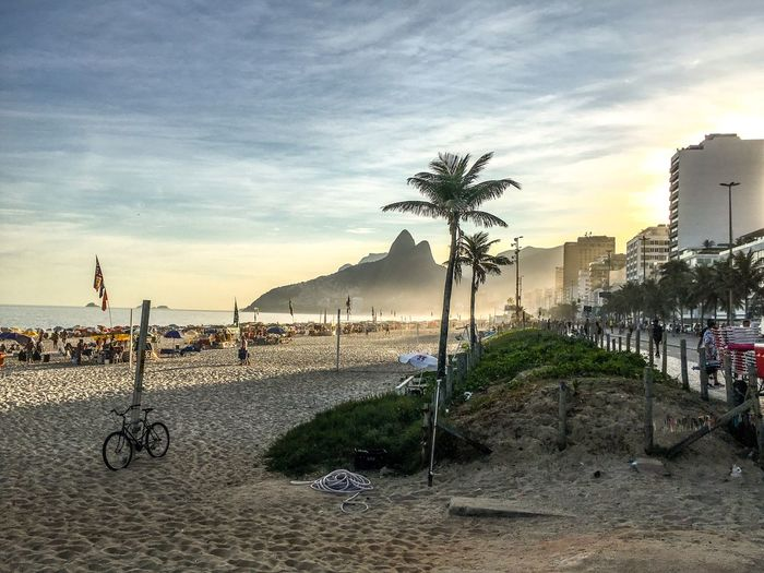 Rio de de Janeiro Ipanema Rio De Janeiro Rio De Janeiro Eyeem Fotos Collection⛵ Museum Of Tomorrow Sky Built Structure Beach Architecture Cloud - Sky Nature Water Land Sunset Tree Incidental People Plant City Building Exterior Protection Outdoors Security