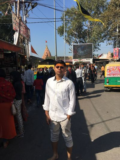 Visiting the Gods!! Hindu MAHAKALESHWAR Solo Trip Solo Traveler! Architecture Building Exterior Built Structure Casual Clothing City Day Hindu Temple Hindusim Large Group Of People Lifestyles Love Yourself Market Men Outdoors People Real People Sky Standing Ujjain Women