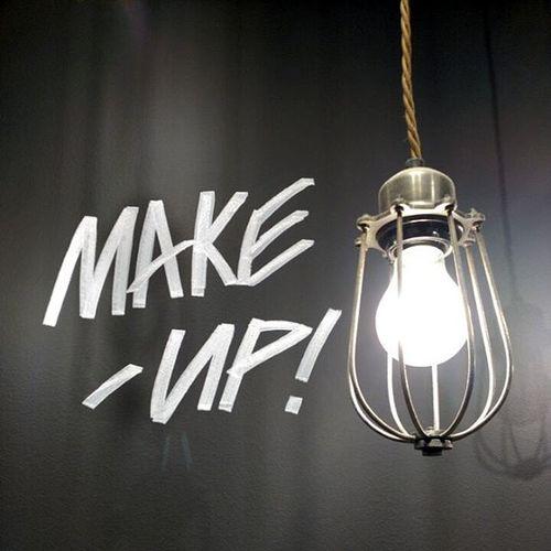 Light and Makeup in Lushbarcelonacentro 😚 😚 Lightingmyinstagram Lightingmyeyeem