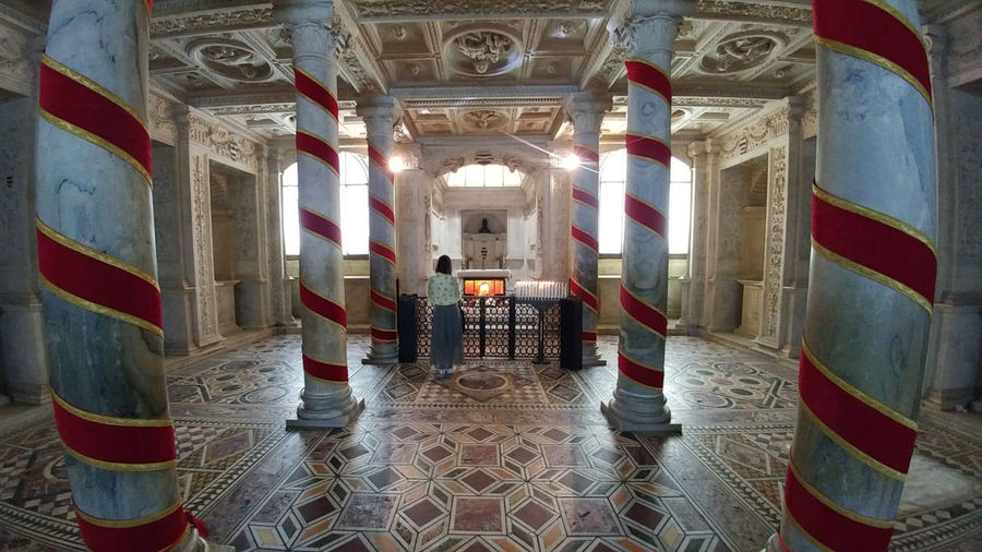 Napoli Photography EyeEm Best Shots SanGennaroDuomodiNapoli Love City A New Beginning Prison Architecture Built Structure Architectural Column Interior Historic