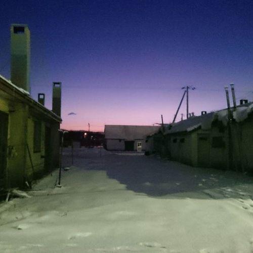 なおのしんphoto 夜明け前 朝からゴミ出し行ったら…… 昨日より、寒くなかった(笑) 今の気温-6℃でーす⛄❄ 今日もゆるっとよろしくねぇ💕