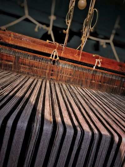 Loom Loom Clothing Wood - Material Thread Chain Close-up Commercial Fishing Net Rusty Weathered Deterioration Bad Condition Damaged Abandoned Obsolete Textured  Latch