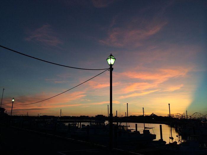 イマソラ…久しぶりに…綺麗♡〜٩( ╹▿╹ )۶〜♡ 朝焼け #イマソラ #sky #cloud #blue #orenge #ハート雲 Sunrise