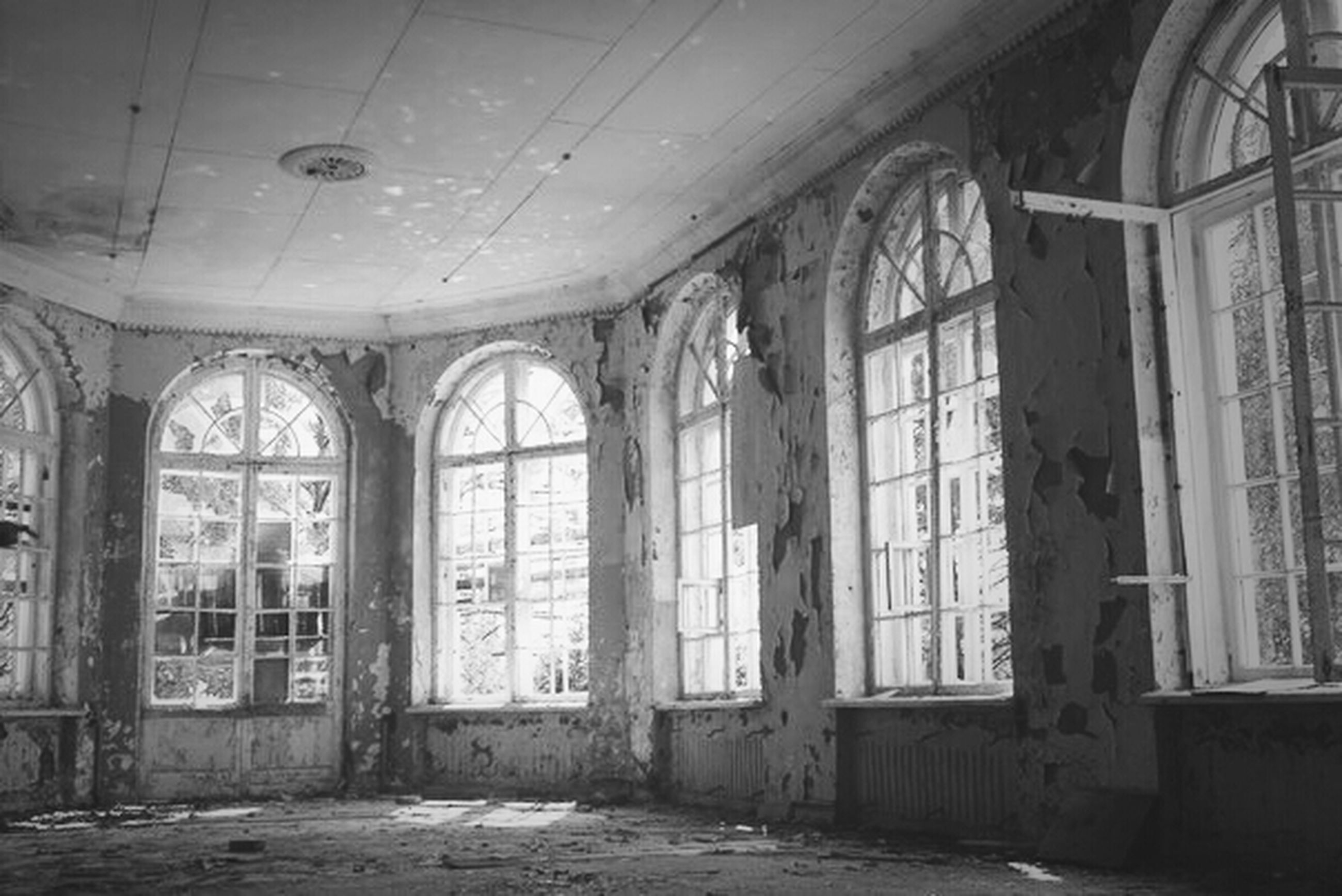 indoors, abandoned, architecture, damaged, obsolete, built structure, window, run-down, deterioration, interior, old, bad condition, house, broken, weathered, ruined, door, ceiling, building, messy