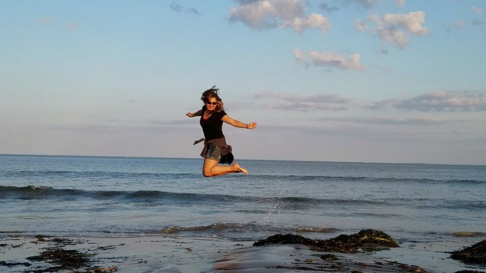 No Photoshop, No Filter carefree Enjoyment Sky Sand AdultSamsung Galaxy S7 Edge Beach Sea One Person Fun Revere Beach Massachussets Outdoors Day Water Jumping Horizon Over Water Motion Full Length The Week On EyeEm EyeEmNewHere