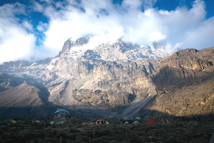 Mountain Mountain Range Snowcapped Mountain Outdoors Nature Kilimanjaro Mount Kilimanjaro Tansania Tanzania EyeEmNewHere FUJIFILM X-T1 Camp Tents Trekking Adventure Umbwe Route Mountains Barranco Camp (3.900 M) SevenSummits 7summits The Great Outdoors - 2017 EyeEm Awards