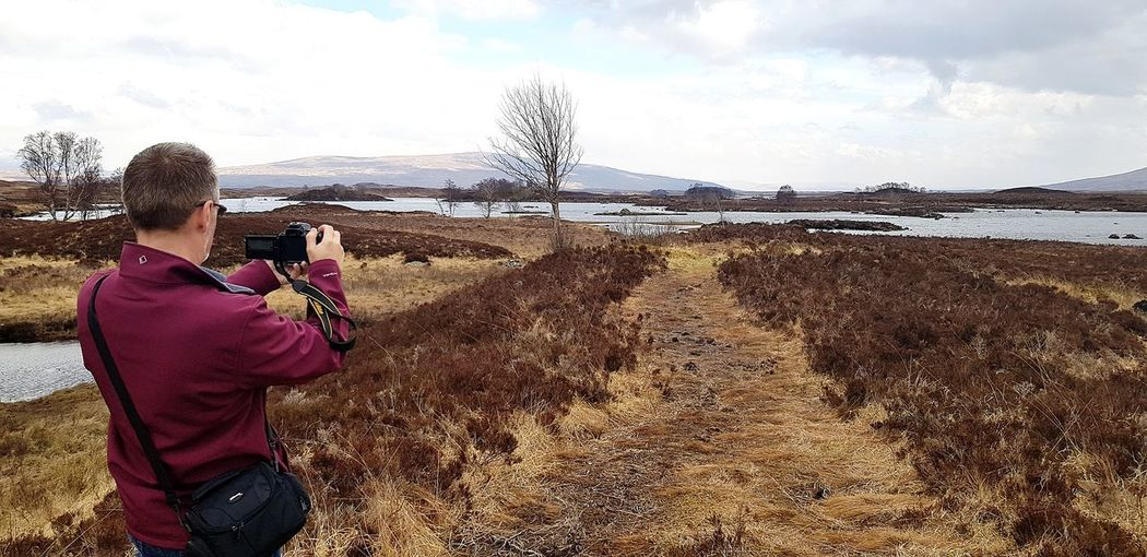 Photographer Highlands Highlands Of Scotland Scotland Camera - Photographic Equipment Water Photographing Photo Messaging Wireless Technology Sea Warm Clothing Beach