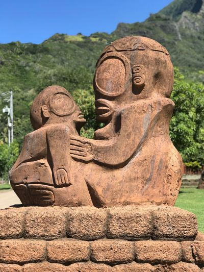 Face to face Atu'ona Atuona Hiva Oa Marquesas Islands Marquises Polynésie Française French Polynesia Tiki Art And Craft Sculpture Representation Statue Craft Day No People Creativity Human Representation History Close-up The Past Solid Carving - Craft Product Travel Destinations Travel