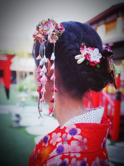 Traditional Japanese hair style and hair pin style with kimono dress Kanzashi Fabric Flower Hair Pin Japanese Culture Japanese Style Beauty Women Kimono Hair Style Ideas Headshot One Person Wearing Flowers One Woman Only Flower Only Women Focus On Foreground People Outdoors Real People Women Portrait Headband