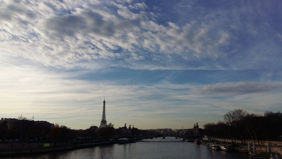 Lovely Paris, with the Eiffel Tower in 2nd plan France 🇫🇷 France Tour Eiffel Eiffeltower Eiffel_tower  Paris, France  Paris Blue Sky And Clouds Blue Skys Riverside No Edit/no Filter NoEditNoFilter