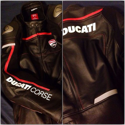 bout muthafriggin time i got myself some new leathers. So happy with these. Dainese Ducati Savemyass Sssgo =)