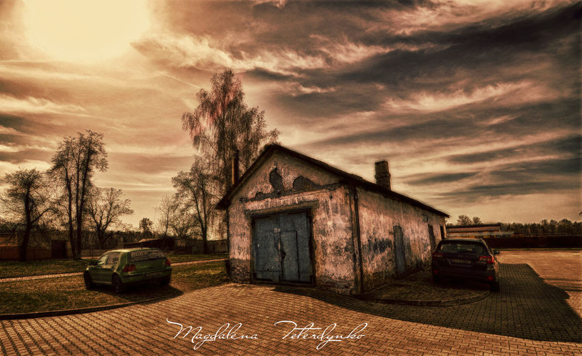 Architecture Building Exterior Built Structure Car Cloud - Sky Eeyem Photography EyeEm Best Shots EyeEm Gallery House Magdalena Teterdynko Nature No People Old Old Buildings Overcast Sky Street Sunset Tree