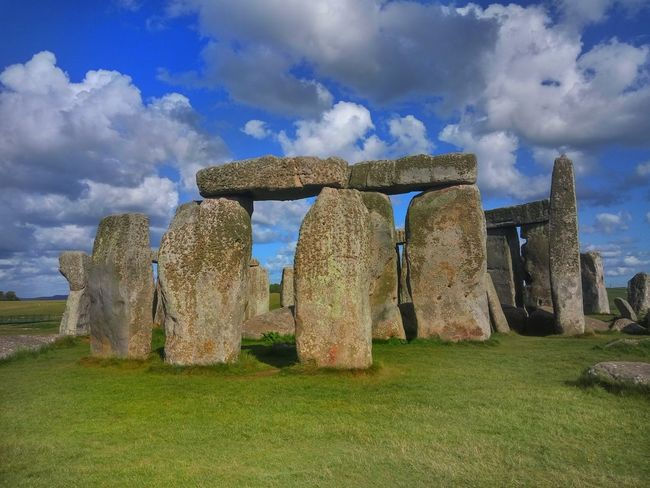 History Stonehenge Stone Henge Stone Material Stonehenge And Sky Stonehenge Memorial Sky Outdoors Beauty In Nature Cloud - Sky Day Grass Nature Been There.