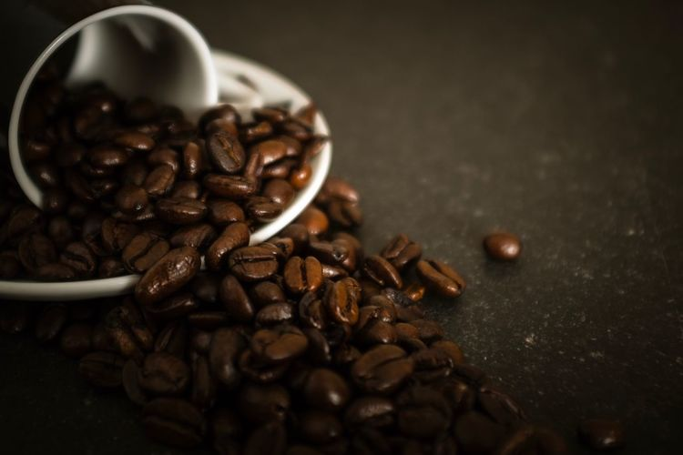 Roasted Coffee Bean Food And Drink Coffee Bean Coffee - Drink Raw Coffee Bean Still Life Coffee Cup Food Freshness Roasted Indoors  No People Selective Focus Table Close-up Brown Large Group Of Objects Drink Mocha Roast Coffee Bean Espresso Cup Espresso Freshness Food And Drink Indoors