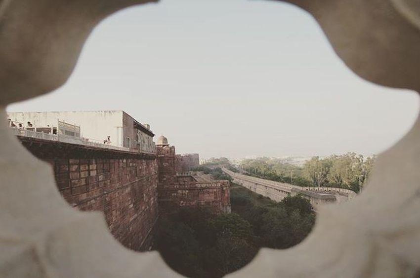 One of the finest Mughal forts in India... Agra Fort! อีกหนึ่งสุดยอดป้อมปราการแห่งอินเดีย อดีตฐานบัญชาการและที่มั่นของกษัตริย์โมกุลก่อนย้ายเมืองหลวงไปนิวเดลี AgraFort Rachatravelsindia