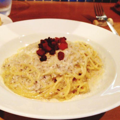 Food Porn Lunch Italian Pasta 新店開拓茸ペーストのクリームパスタ。とても良い香りです。