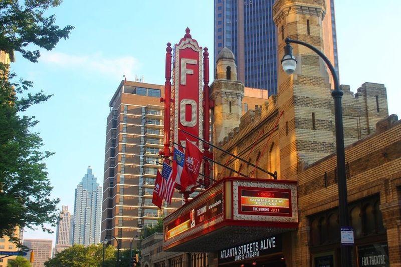 hey Livingstreets Health Live ATL Atlanta DiscoverATL Weloveatl Fox Foxtheatre Architecture Building Exterior Skyscraper Sky City Modern Outdoors EyeEm Best Shots Eye4photography  TRENDING
