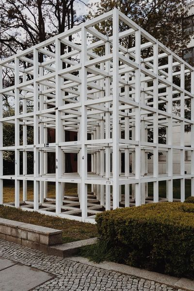 137 Sol LeWitt 1993 Sculpture Germany Berlin Friedrichshain-Kreuzberg Kreuzberg Built Structure Architectural Feature Modern White Color Structure Straight Lines Cube Perspective Volume Repetition Rectangular